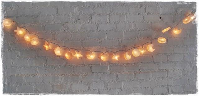 Guirnalda de luces cosmos blanca iluminoteca for Guirnalda de luces bolas